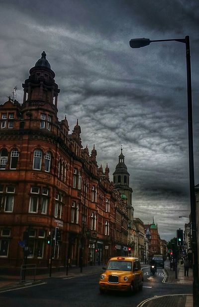 Cityscapes Discover Your City Skyscapes My City Architecture_collection Streetphotography My Cloud Obsession☁️ EyeEm Best Edits Malephotographerofthemonth Cloud_collection  Q Quintessential English Scene England 🌹