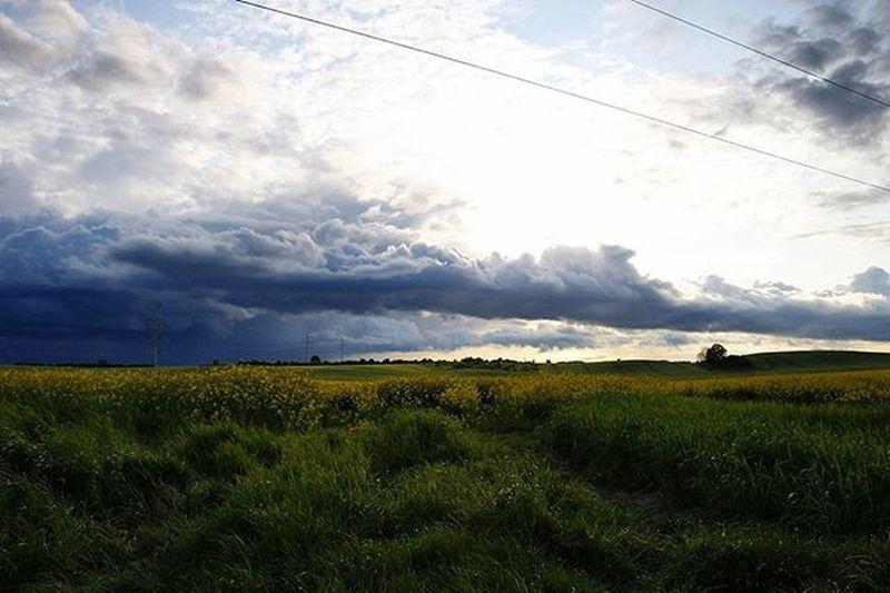 Dunkle_wolken Dunklewolken Dunkle Wolken Kleinroghan Klein_roghan Mv MVP Meckpomm Mecklenburg Mecklenburgvorpommern Mecklenburg_vorpommern Germany Deutschland Mvliebe Mv_liebe Mv_liebe_wetter