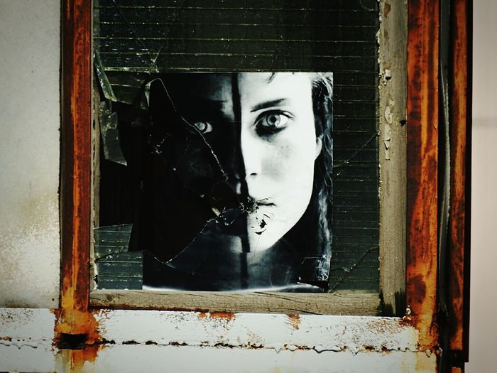 Fine Art Photography Mona Lisa Broken Face Streetphotography Window Beautiful ♥ Walking Around Sankt-peterburg Russia Best EyeEm Shot