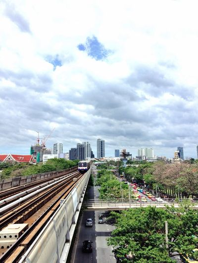 Skytrainbangkok Skytrain Skytrain BTS View Cityscapes Capital Cities  City Life Public Transportation On My Way Traveling Travel Photography Bangkok Streetphotography Street Photography Streetphoto_color EyeEm Gallery On The Way