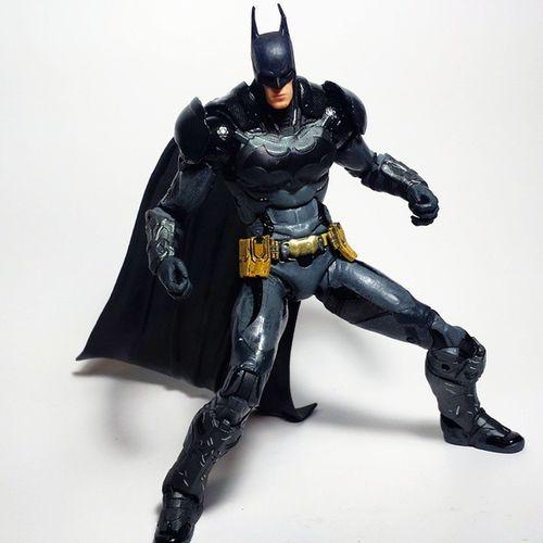 Batman Dccomics Thedarkknight Dcuniverse Dcnation DC Darkknight Brucewayne Toyphotography Toypizza Toysarehellasick Toycollector Toycommunity Toycollection Arkham ArkhamKnight Videogames