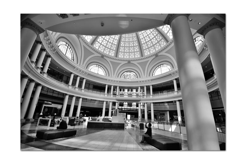 Westfield Centre 3 San Francisco CA🇺🇸 Westfield Centre Upscale Urban Shopping Mall The Dome Bnw_friday_eyeemchallenge Urban_geometrics Interior Design Decor Architecture Architectural Detail Arches Windows Roof Centerpiece Columns Geometric Shapes Pattern Pieces Monochrome_Photography Monochrome Black & White Black & White Photography Black And White Black And White Collection  Seating Indoors  People