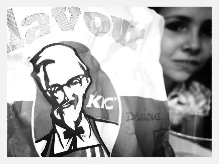 El señor KFC y Olga de comilonas!!!