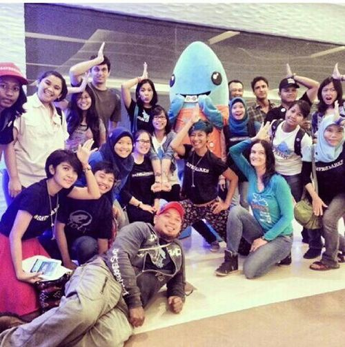 Me N Friends Savesharks Support The Communities Greatpeople with itong hiu