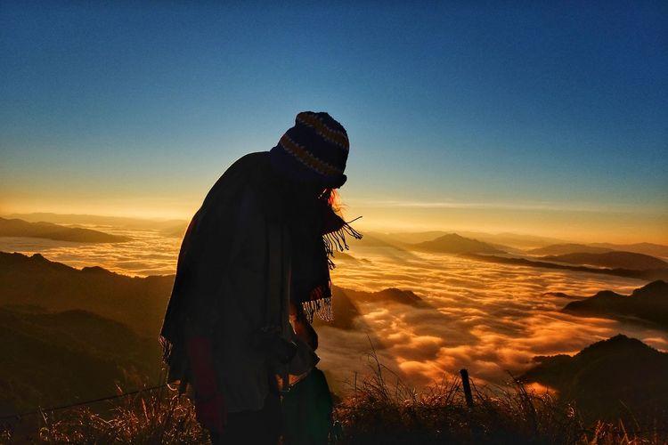 cold weather but... warm heart ❤ #Amazing #AmazingThailand #Sunrise #ColdWEATHER  #JustMe #PhuChiFa #LoveLife  Nature Sky Outdoors