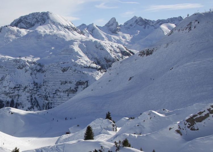 Alps Amazing View Arlberg Austria Backgrounds Beauty In Nature Christmastime Drei Männer Im Schnee Enjoying Life EyeEm Best Shots Hello World Landscape Mountain Nature Oberlech Panorama Skiing Snow Snowboarding Taking Photos Travel Vacation Winter Winterwonderland Snow Sports Been There. Shades Of Winter
