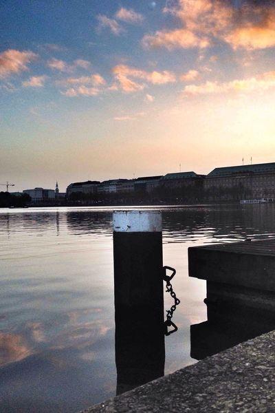 Good morning Hamburg ! Sunrise in Welovehh Taking Photos