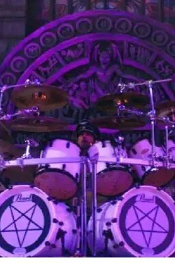 Txus MagoDeOz Drummer DobleBombo Barakaldo TxusDiFellatio