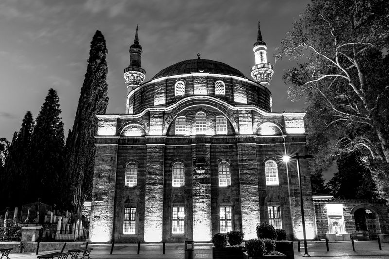Emirsultanda Gece Long Exposure Nightphotography Night Blackandwhite Photography Blackandwhite Cityscape EyeEm Best Shots EyeEmNewHere Architecture Built Structure Building Exterior Travel Destinations Travel Sky Tourism City