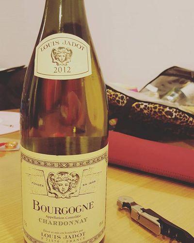 식후엔 샤르도네 루이자도 부르고뉴 샤르도네 2012 술스타그램 Louisjadot Bourgogne Chardonnay 화이트 와인