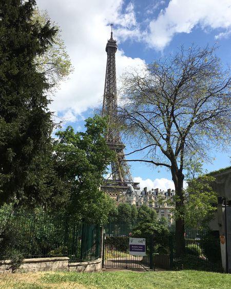 P A R I S ❤️ Travel Destinations Traveldiaries Traveladdict Sunshine Sunny Day Love Paris