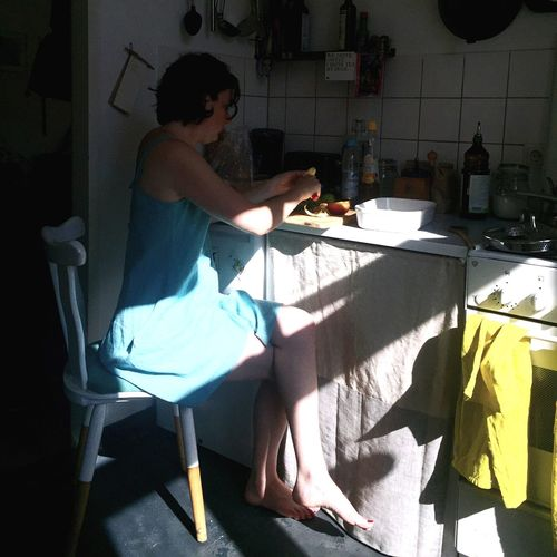 Cooking Moment Light And Shadow Black And Colors