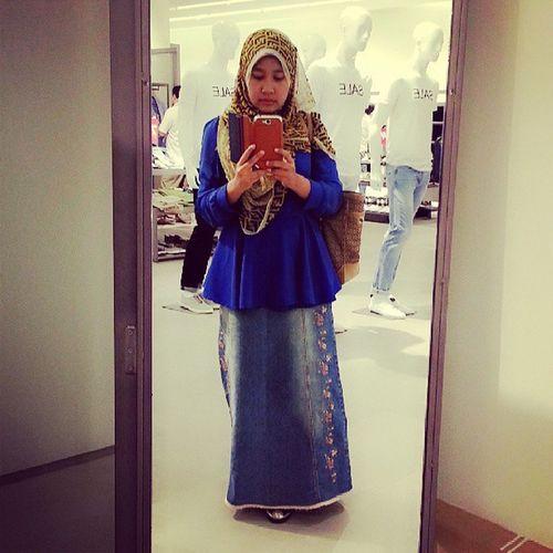 Ootd Silkscarf Hijabstyle  Muslimah simple fashionista linazahrahdotcom