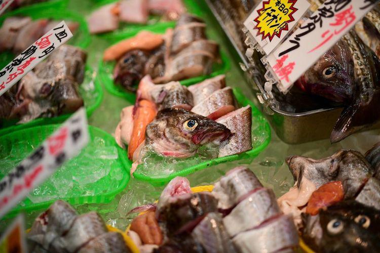魚の目。 Animal Retail  Vertebrate For Sale Fish Seafood No People Food And Drink Market Food Close-up Freshness Selective Focus Choice Retail Display Market Stall