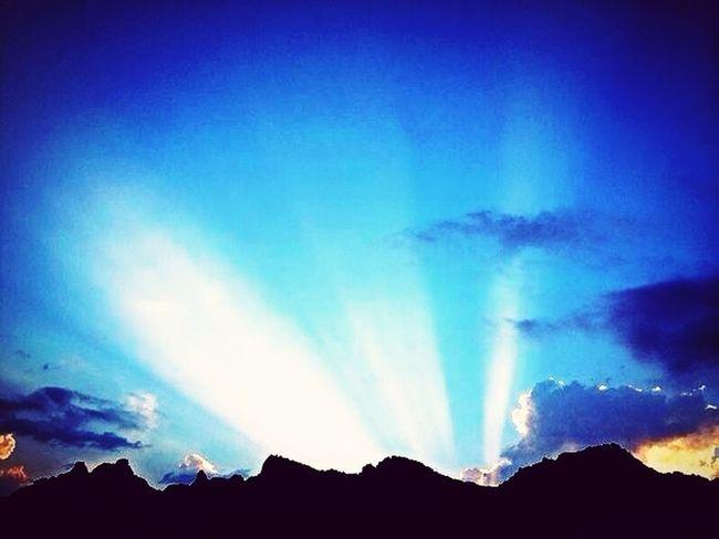 Красивее гор... Сами знаете)) Hello World