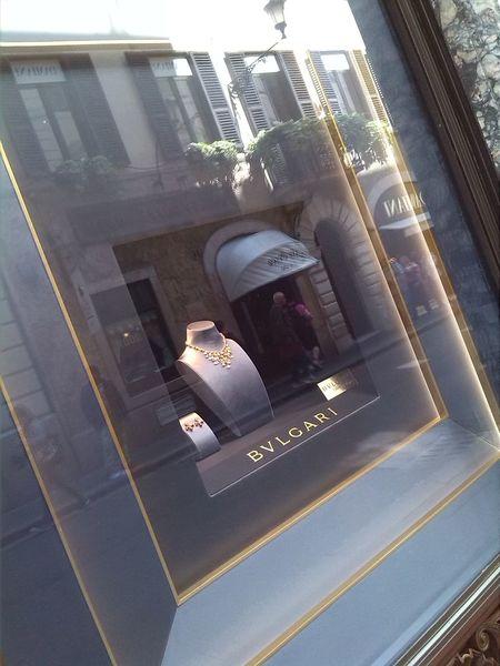 Hello World Streetphotography Reflex Via Condotti Via Dei Condotti Rome Rome Italy Glamour In Rome