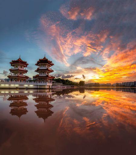 twin Pagoda Sky