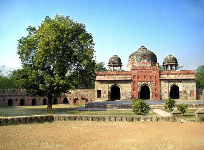 Isa Khan's Mosque at Isa Khan's Tomb || Perks Of A Travelling Nerd Yesterday's Travels (Feb'08)