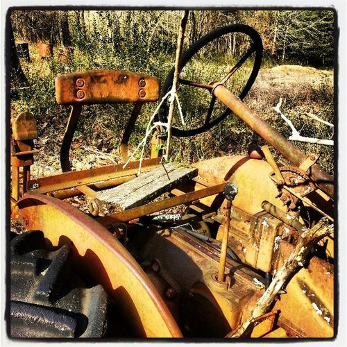 Old forgotten tractor Country Rustedtractor Rust Farming