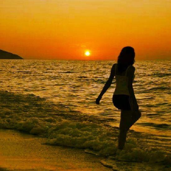 Tatile çok ihtiyacım var :( Tatil Huzur Dinlenmek Deniz kum güneş