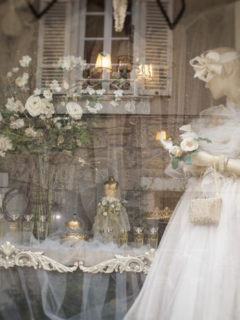 La mariée était en blanc Delicatesse Getting Inspired Illuminated Love ♥ Reflection Tulle Fabric Voile De La Mariée Wedding Wedding Dress White Color White Flowers