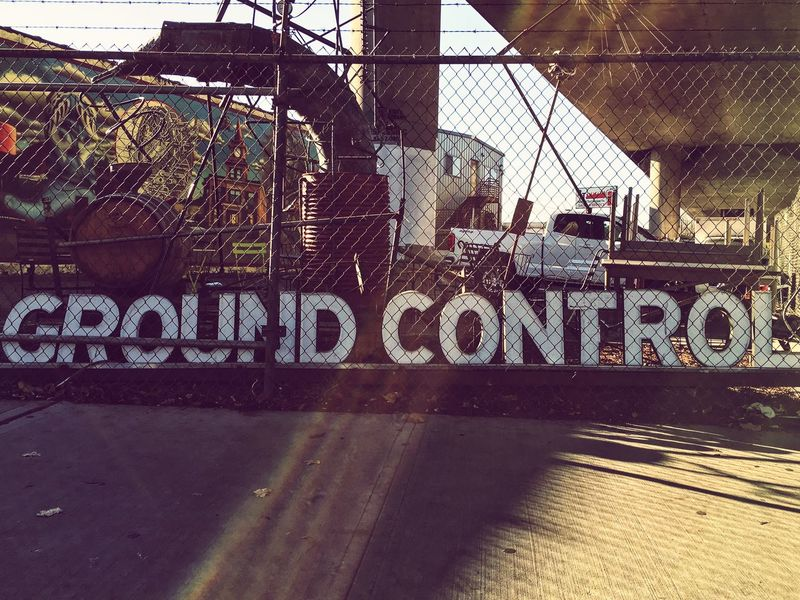 This is ground control. City Streetphotography Seattle Georgetown