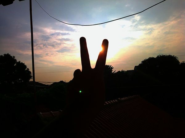 Silhouette That's Me Make Peace Not War ✌