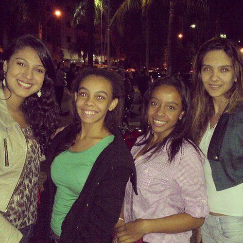 Boas risadas junto com as amigas @anna12lu Leticia Mariana Teatro Comédia 