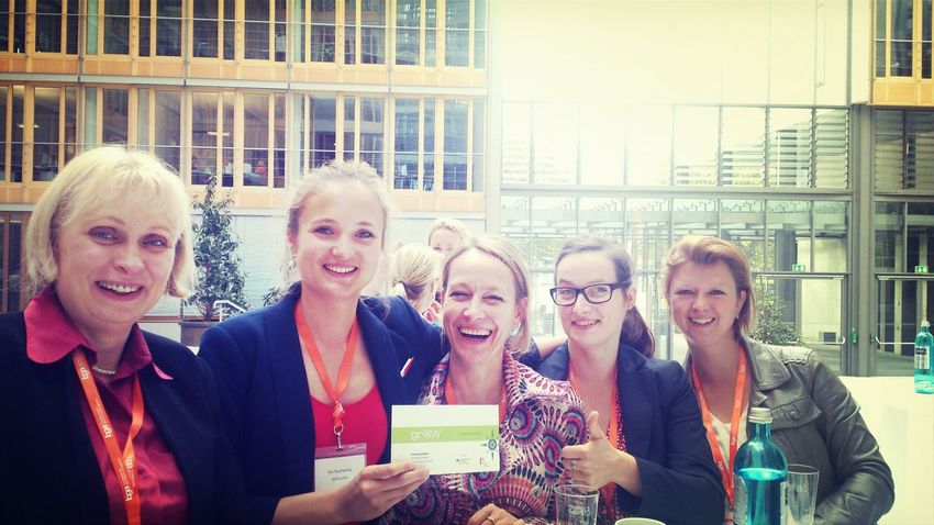 Young & experienced generation of Womensupportingwomen Girlgobusiness in Berglin auf bga event