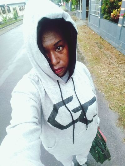 Portrait Looking At Camera Close-up Hood - Clothing Sweatshirt