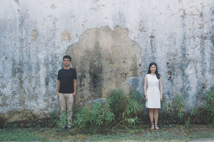 Portrait The Portraitist - 2016 EyeEm Awards People EyeEm Best Shots Popular Photos Romantic Happiness Couple Lover Sweet Wall Historical Building Traveling In China Two Is Better Than One