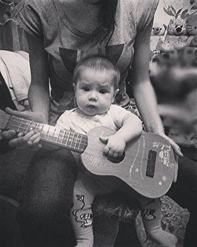 мася сыночек Сынуля алексей гитара играем сидим отдых ♥ Son Man Boy Guitar Play String Leisure Mom Alex ♥♥♥