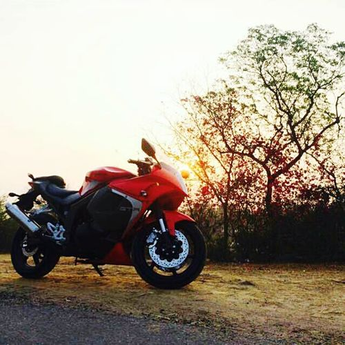 Pastel Power Newbike HYOSUNG_GTR_😍😍 Sunshine Amaze RedBlack Earlymorning  Love Friends First Eyeem Photo