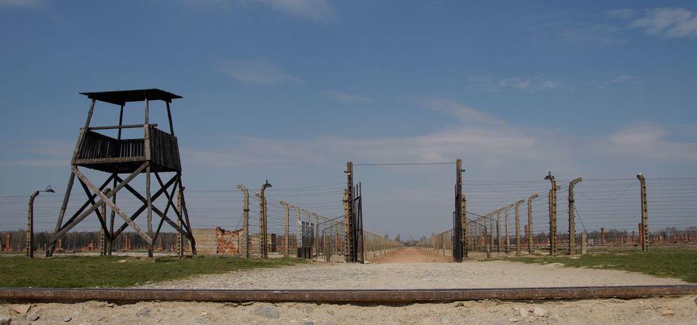 Birkenau Birkenau Memorial Auschwitz Birkenau Holocaust Train Rails Gedenkstätte Taking Photos Poland Traveling Jewish Holocaust Memorial Memorial Polen Gedenken Photooftheday