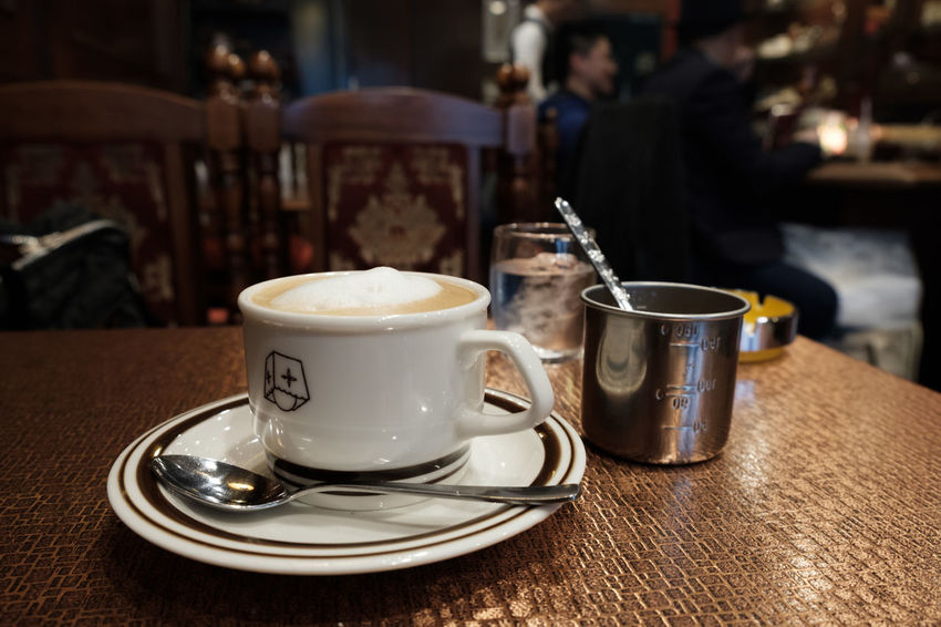 Coffee Coffee Time FUJIFILM X-T2 Japan Japan Photography OSAKA Cafe Cafe Time Close-up Coffee - Drink Coffee Cup Drink Focus On Foreground Food And Drink Fujifilm Fujifilm_xseries Indoors  Refreshment Table X-t2 コーヒー 中崎町 大阪