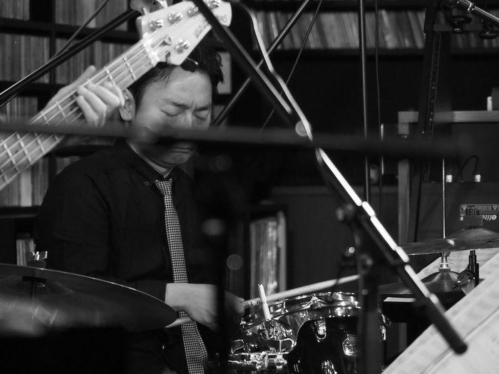 OSAKA Japan ASIA Suita Take Five Natsuki Morikawa Jazz Live Music Keisuke Kurumatani Drum Playing Olympus PEN-F 大阪 日本 吹田 森川七月 車谷啓介