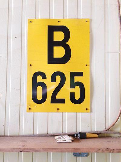 B625 B625 Taking Photos Street Photography Streetphotography Photography Enjoying Life Signs Urban Sign Unusual Signs