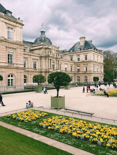 Paris, jardin du luxembourg and french senate