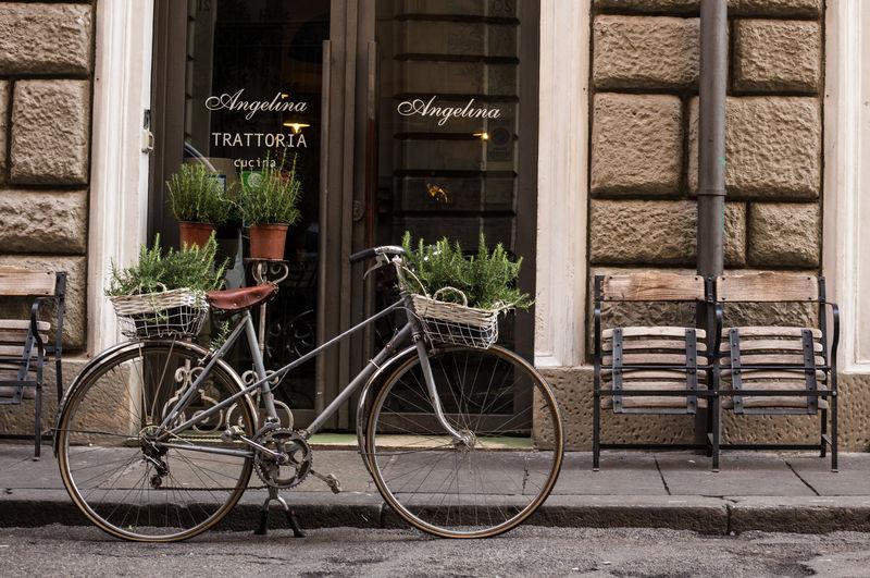 Italia Italian Restaurant Urban Scene Bicycle Bicycle And Street Bike City Italy Street Street Photography Urban