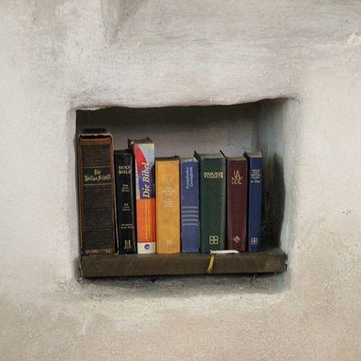 Die Bibel  im Merseburgerdom