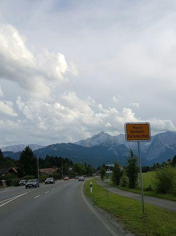 Werdenfelser Land Wolken Clouds And Sky Road Ortsschild Garmisch Germany Bayern Garmisch-partenkirchen
