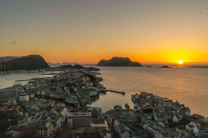 43 Golden Moments Golden Hour Sunset Perfect Moment Ålesund, Norway Panorama Beautufulwiew