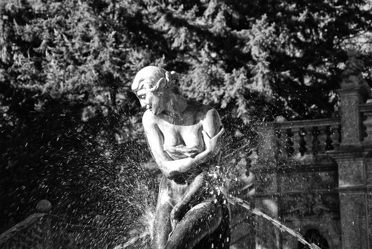 Daily Madness 019 - Shiny Happy Maid Black & White Black And White Black And White Collection  Black And White Photography Black&white Blackandwhite Blackandwhite Photography Blackandwhitephotography Bnw Bnw_captures Bnw_collection Bnw_friday_eyeemchallenge Bnw_life Day Drops Fountain Monoart Monochromatic Monochrome Monochrome _ Collection Monochrome Photography Outdoors Sculpture Statue Water