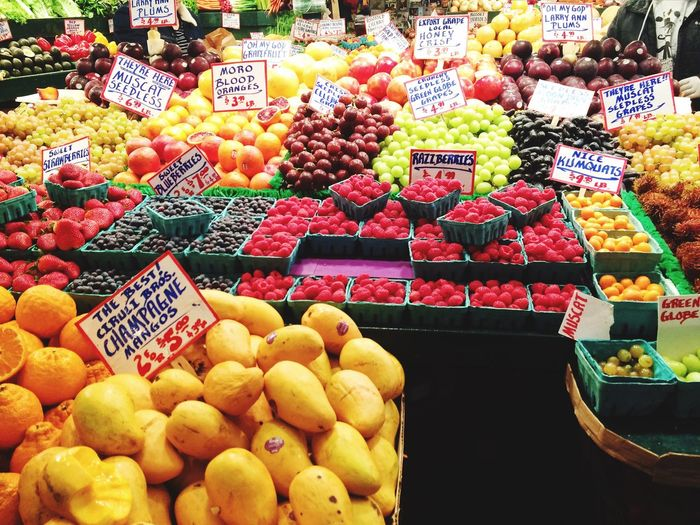Seattle produce Fruit Freshness Retail  Market Stall Choice Apple - Fruit For Sale Market Seattle Market Abundance Fresh Health City Variation Food Food And Drink Large Group Of Objects Healthy Eating Price Tag Full Frame In A Row Arrangement Store Multi Colored