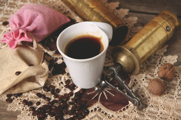 Breakfast Coffee Coffee At Home Coffee Time Coffee ☕ Drinks Rustic Board Close-up Coffe Coffe Beans Coffee - Drink Coffee Bean Coffee Break Coffee Cup Coffeetime Drink Grinder Mill Retro Styled Roasted Coffee Bean Rustic Style Table Vintage Wooden