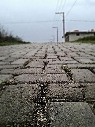 """""""Se algum dia voce achar um caminho sem obstáculos, ele provavelmente não vai levar a lugar algum """""""