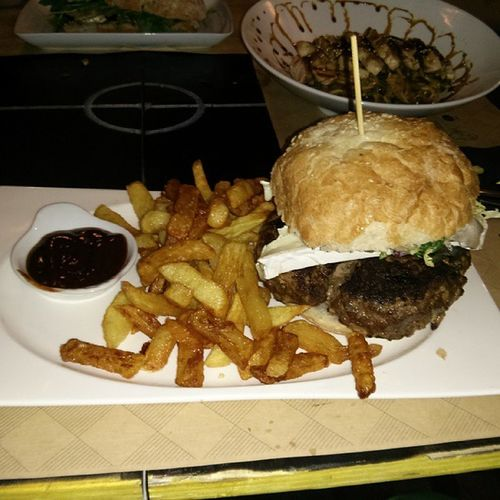 la hamburguesa s10 del @s10bar