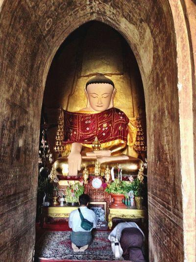 Religion Spirituality Place Of Worship Indoors  Statue Budha Budhism Bagan Bagan, Myanmar Memories Of Myanmar ShotOnIphone Praying Garland Statue Spirituality