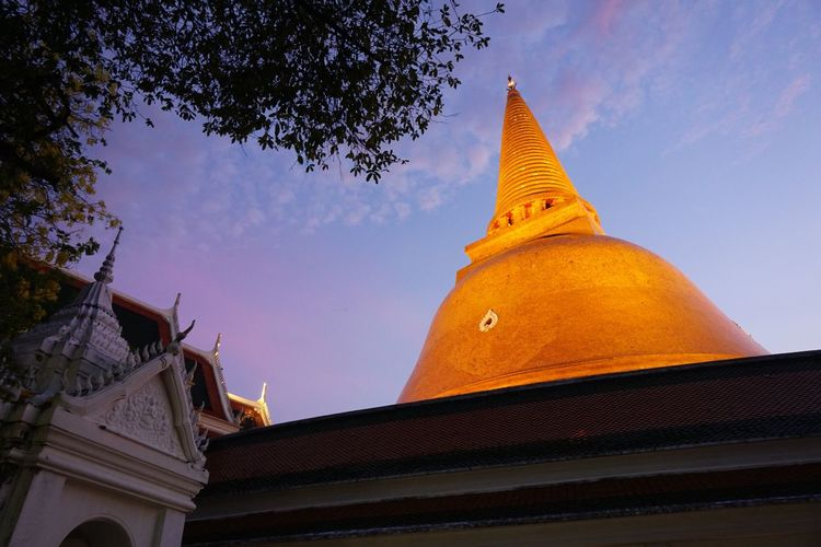 Phra Pathom Chedi Religion Architecture Spirituality Place Of Worship Building Exterior Gold Colored Built Structure Pagoda Low Angle View Ancient Outdoors Travel Destinations Nakorn Phathom Thailand ASIA Buddhism