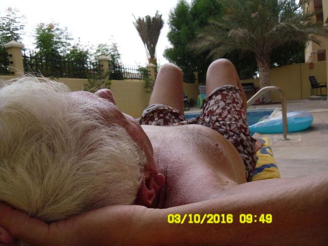 40 Degrees Closeup Dubai Dusk Grey Hair Palm Tree Sun Sunbathing